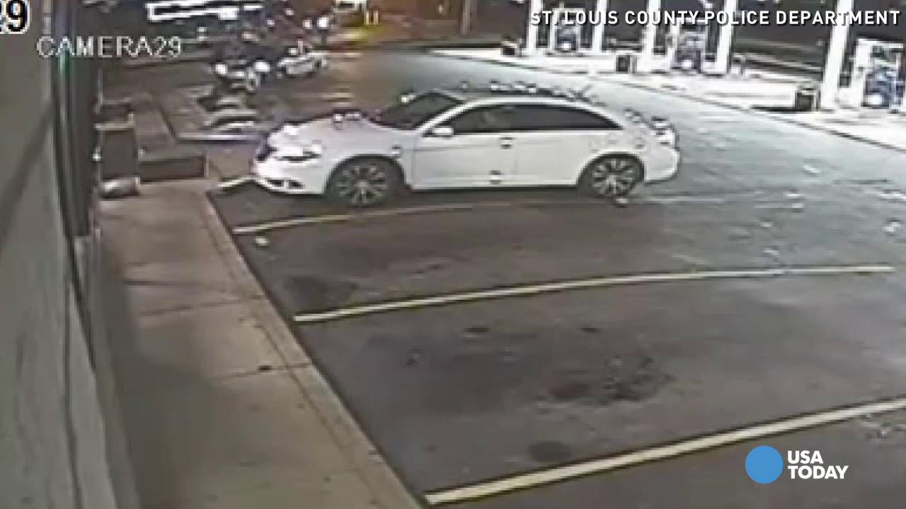 Video shows moments before police shoots Missouri teen