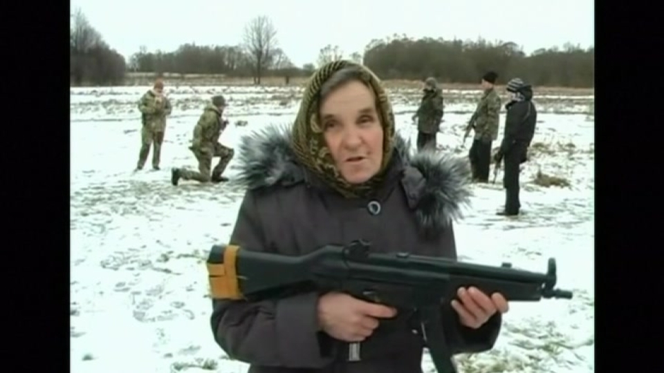 VIDEO-67 old granny from western Ukraine learns how to fight