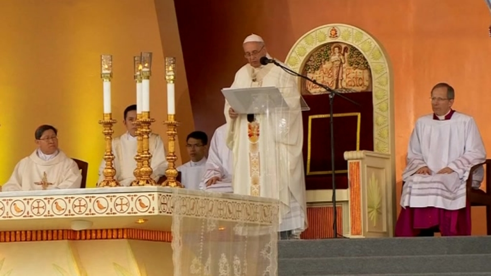 Pope's Manila mass draws record crowd of 6-7 million