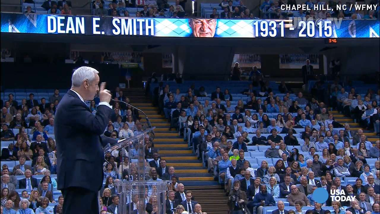 Roy Williams honors late Coach Dean Smith