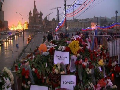 Mourners call murder 'turning point' for Russia