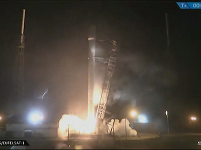 Raw: SpaceX Launches Rocket, Satellites on Board
