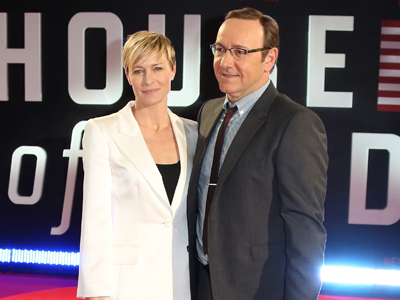 What does Robin Wright binge on?