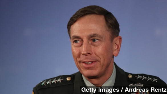 Former CIA head Petraeus reaches plea deal on Federal charge
