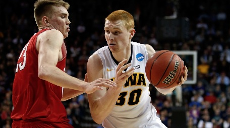 South region: Iowa looks strong as Duke is tested