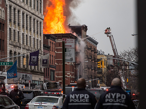 VIDEO: Massive NYC blaze