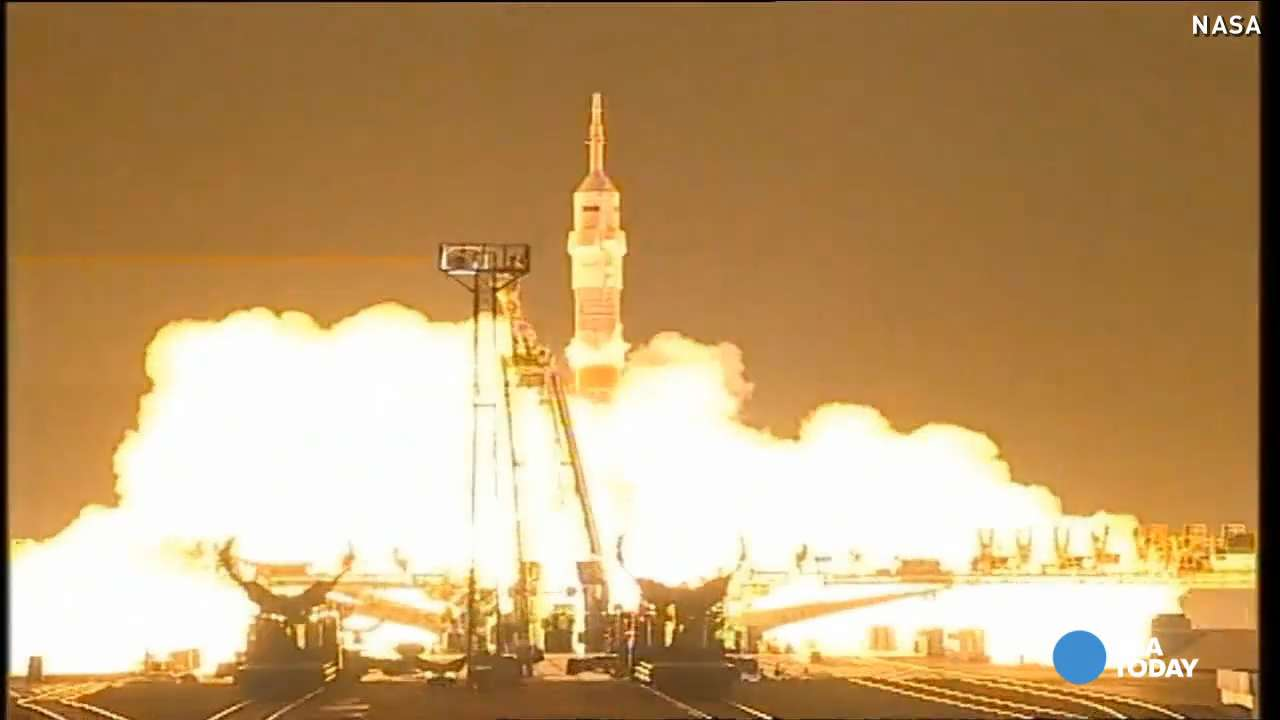 See spectacular light show from Soyuz rocket launch