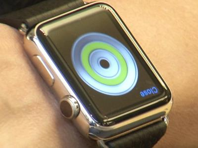 Apple Watch try-on visits, orders begin