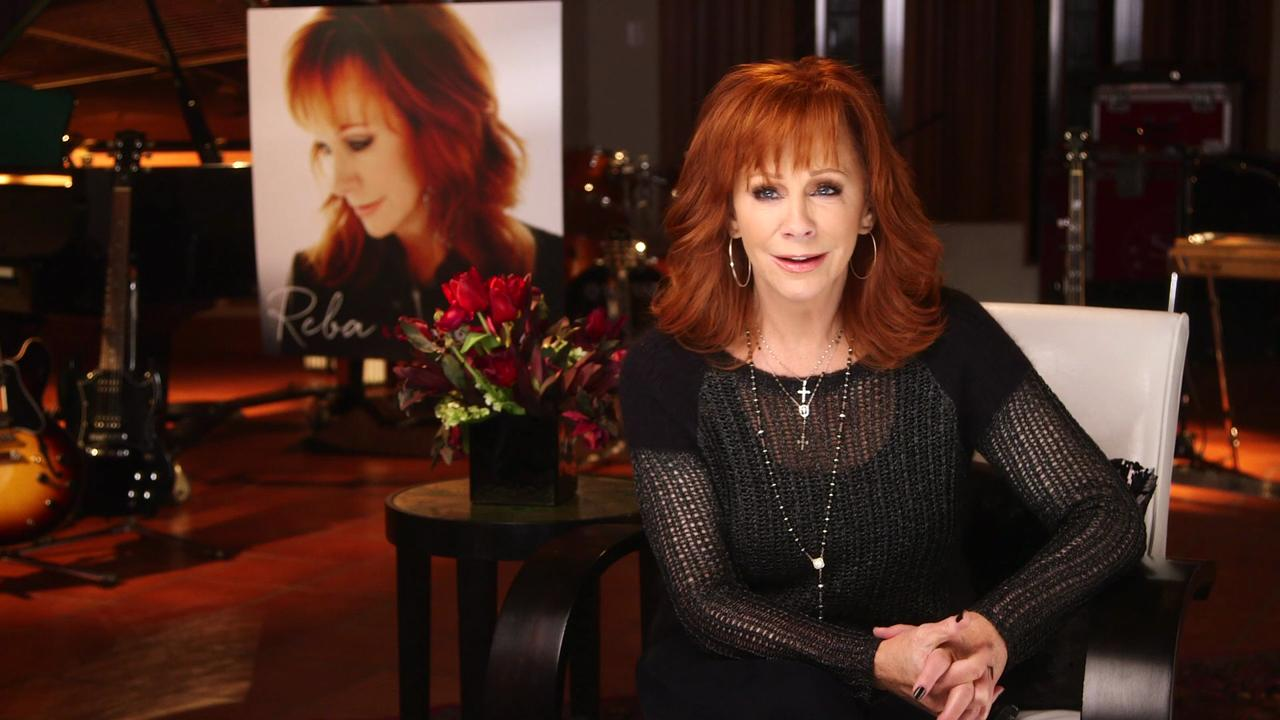 Reba McEntire loves 'to piddle around'