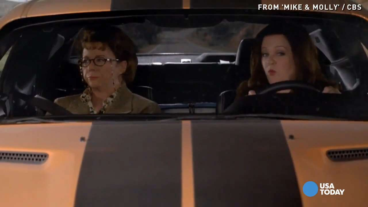 Molly surprises Peggy by reuniting her with her estranged sister, Rosemary (Margo Martindale) on 'Mike & Molly.'