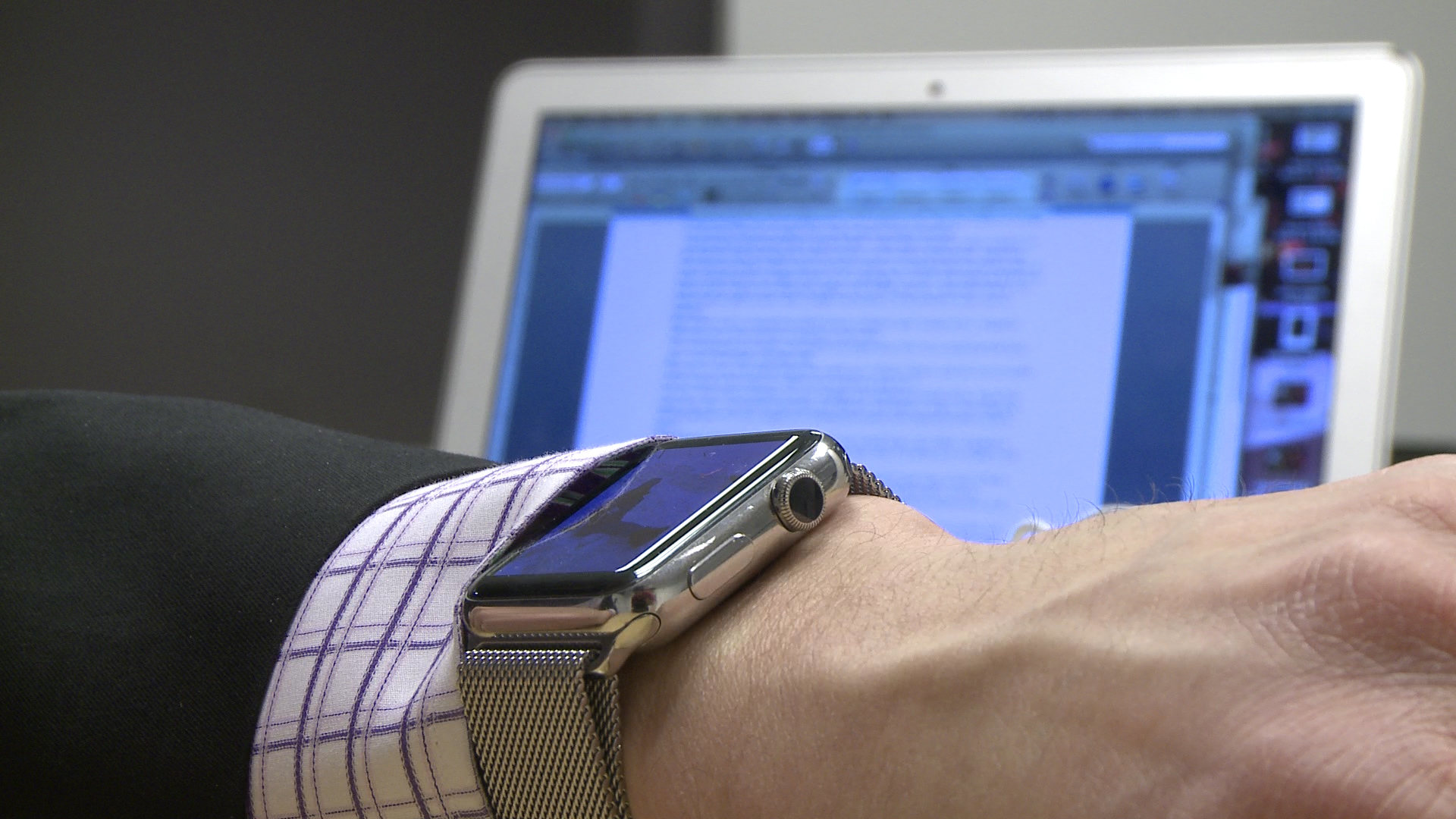 Interacting with the Apple Watch