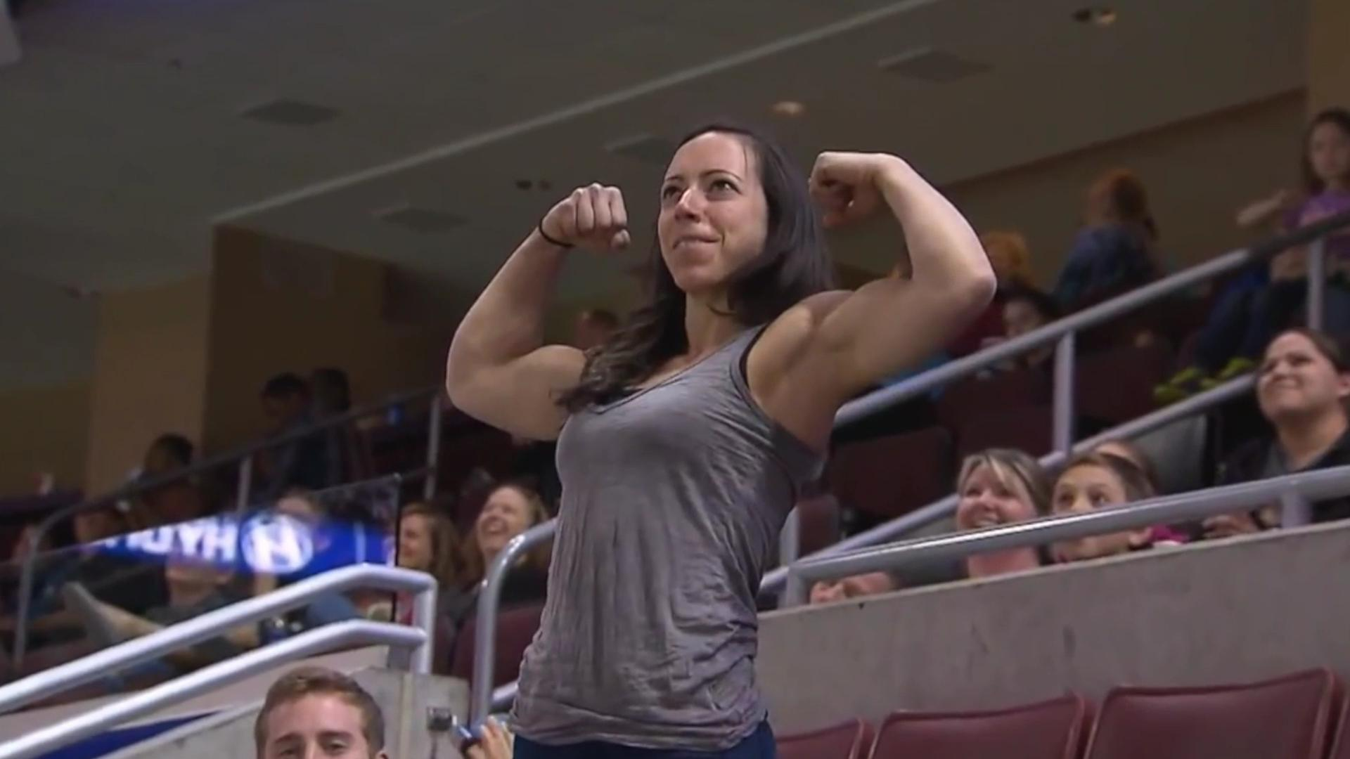 muscle women cam