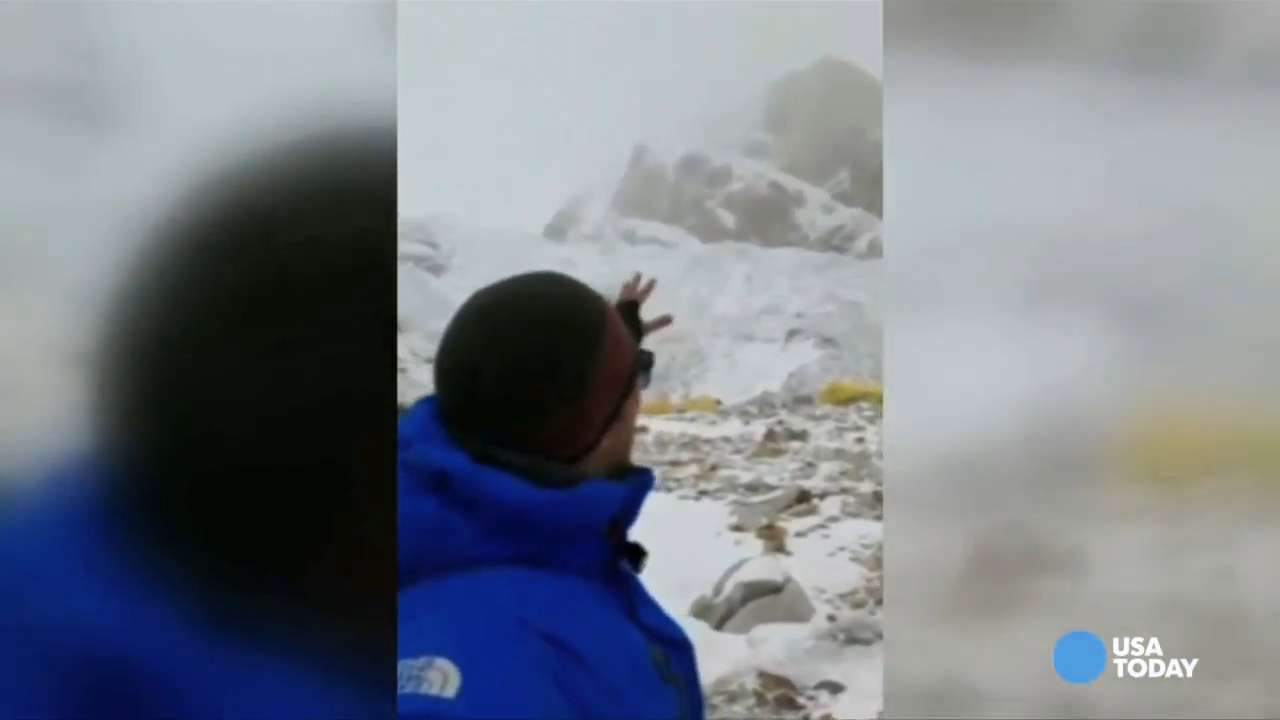 Nepal earthquake sparks avalanche at Mount Everest