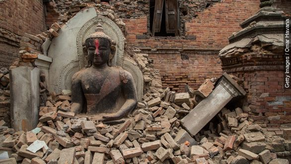 Aftershock complicates Nepal's rescue And relief efforts