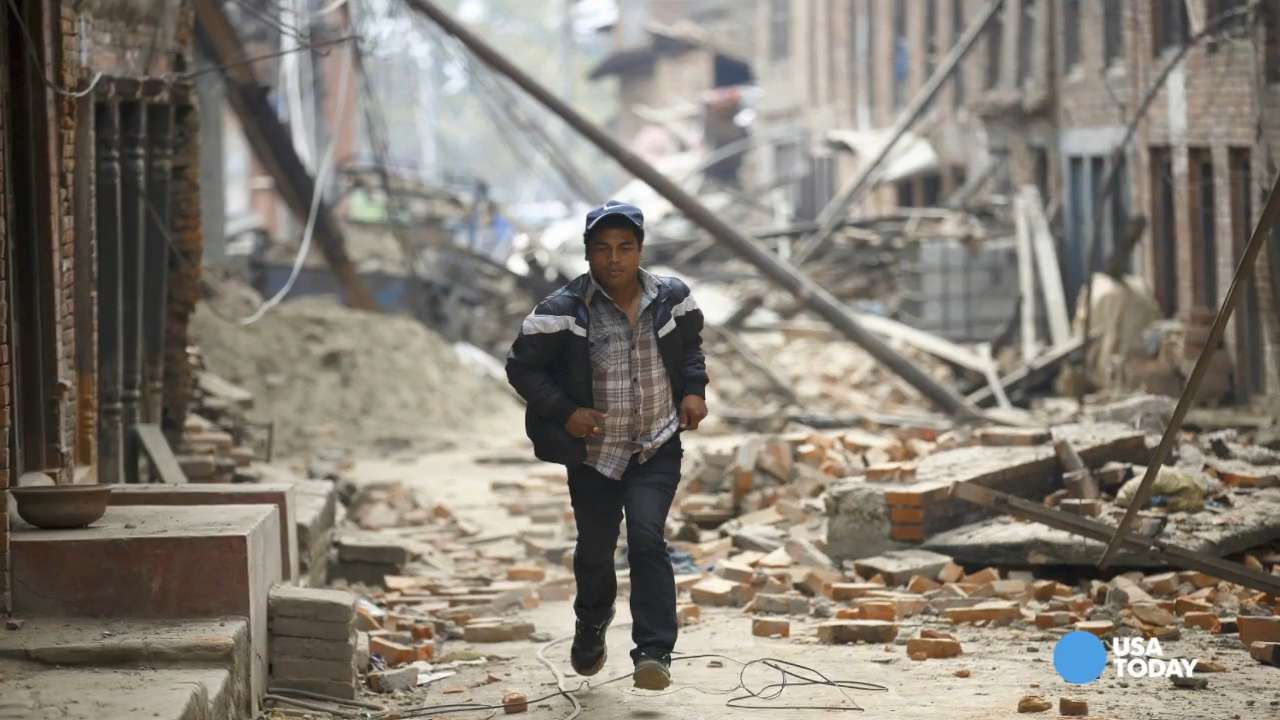 Powerful aftershock rattles Nepal amid quake recovery efforts