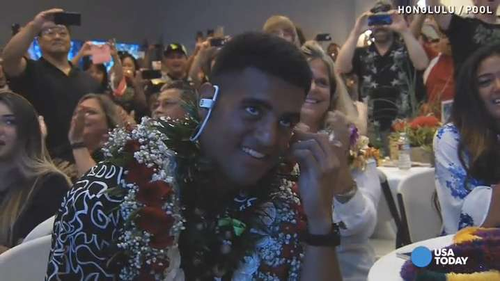 Watch Marcus Mariota react to Titans draft in Hawaii