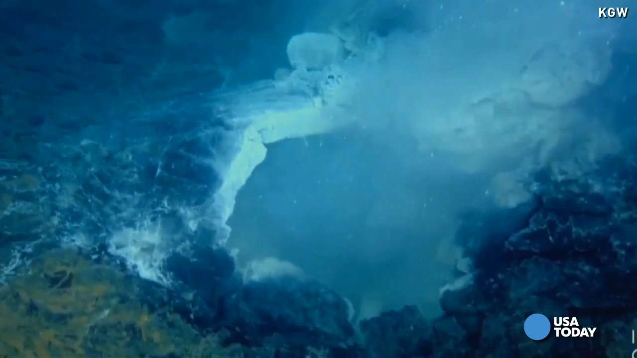 Underwater volcano erupts off Oregon coast