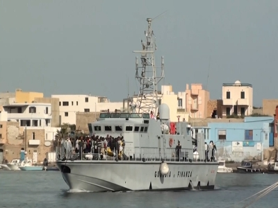 Thousands of migrants rescued off Libyan coast