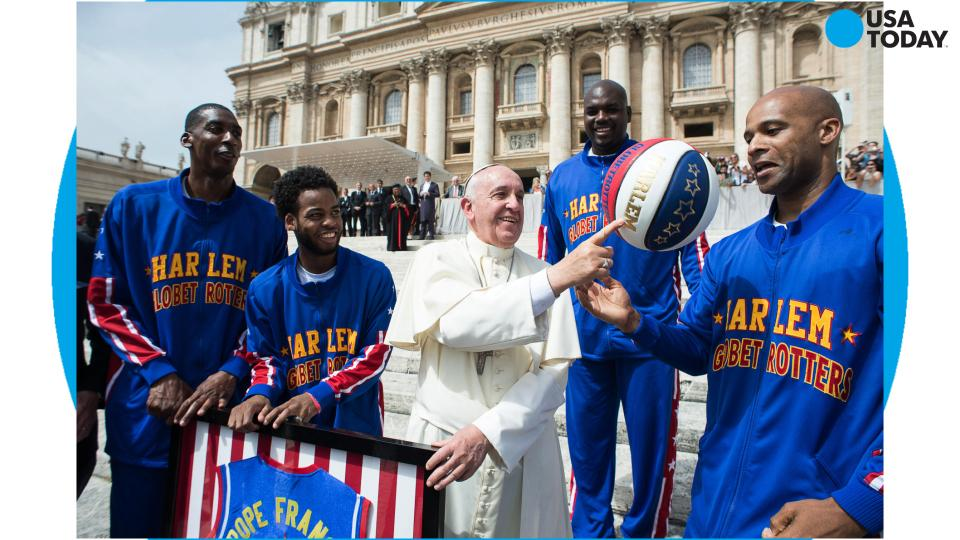 Pope Francis becomes a member of Harlem Globetrotters