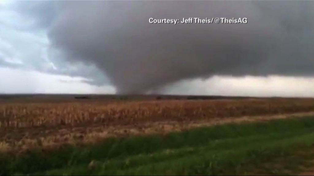 Large tornado caught on camera in Nebraska