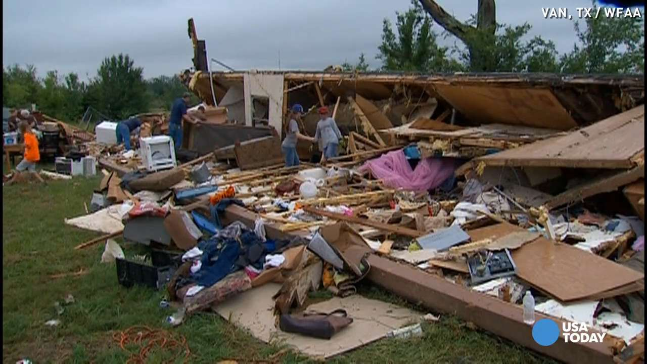Deadly tornadoes injure dozens, devastate small TX town