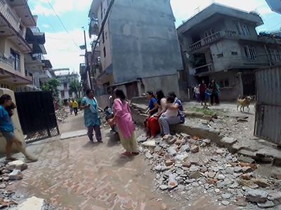 Raw: Second strong earthquake shakes Nepal