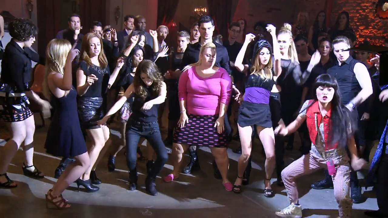 A riff-off for the ages in 'Pitch Perfect 2'