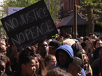 Raw: Wisc. demonstrators protest police shooting