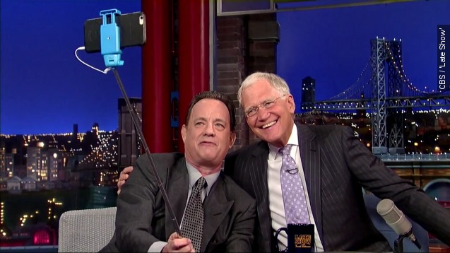 Tom Hanks teaches David Letterman how to use a selfie stick