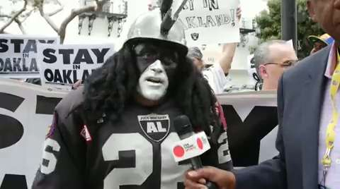 NFL fans unite to speak out about potential L.A. move