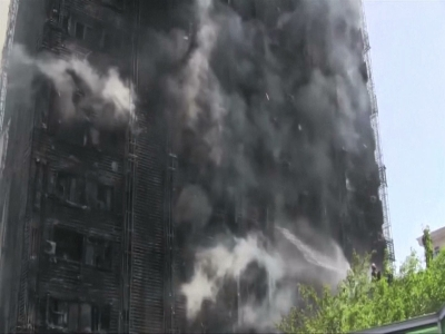 Raw: Flames, Smoke at Deadly Azerbaijan Fire