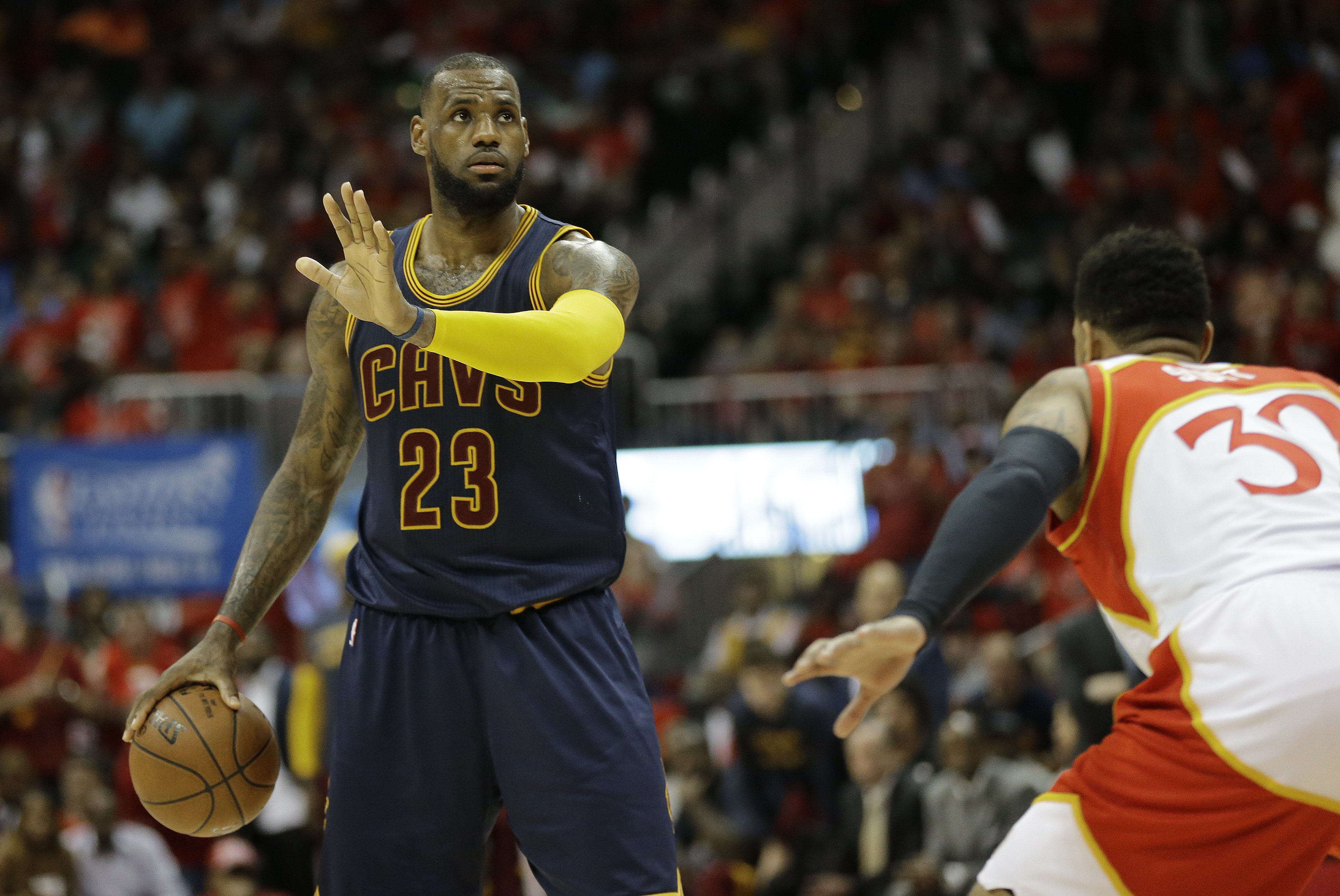LeBron dazzles as Cavs take commanding 2-0 lead