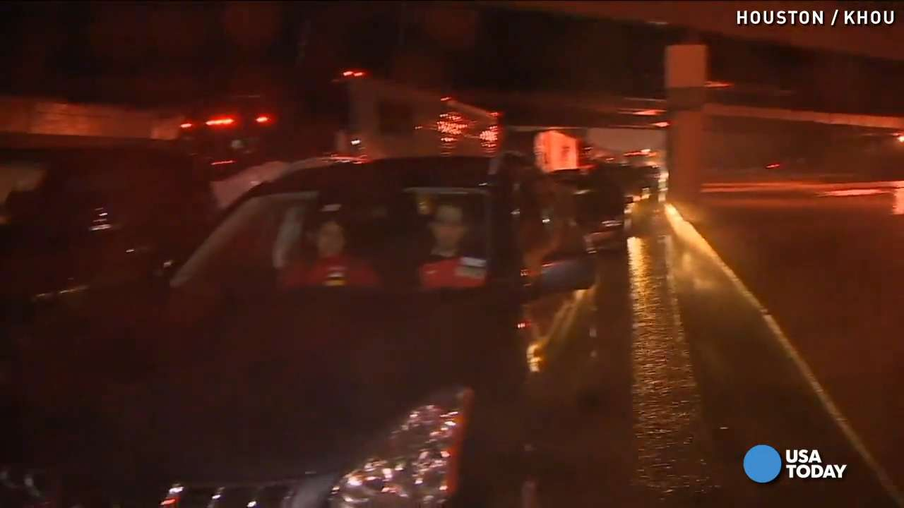 Flooded roads leave Houston at standstill