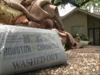 Houston residents work to recover after floods