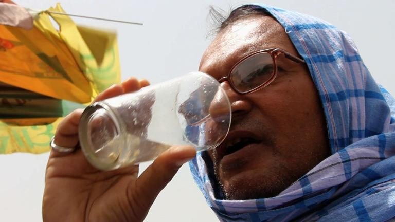 Heatwave sweeping across India kills nearly 1,500