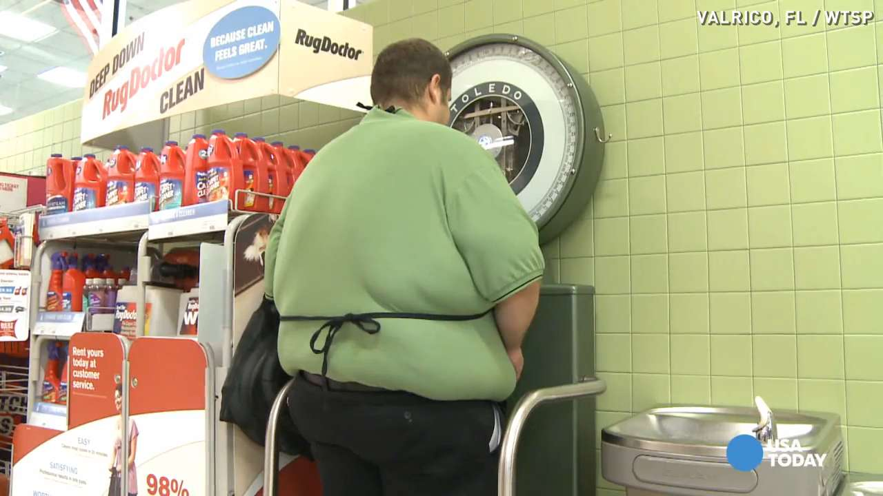 Publix bag boy sheds 300 pounds and is still going