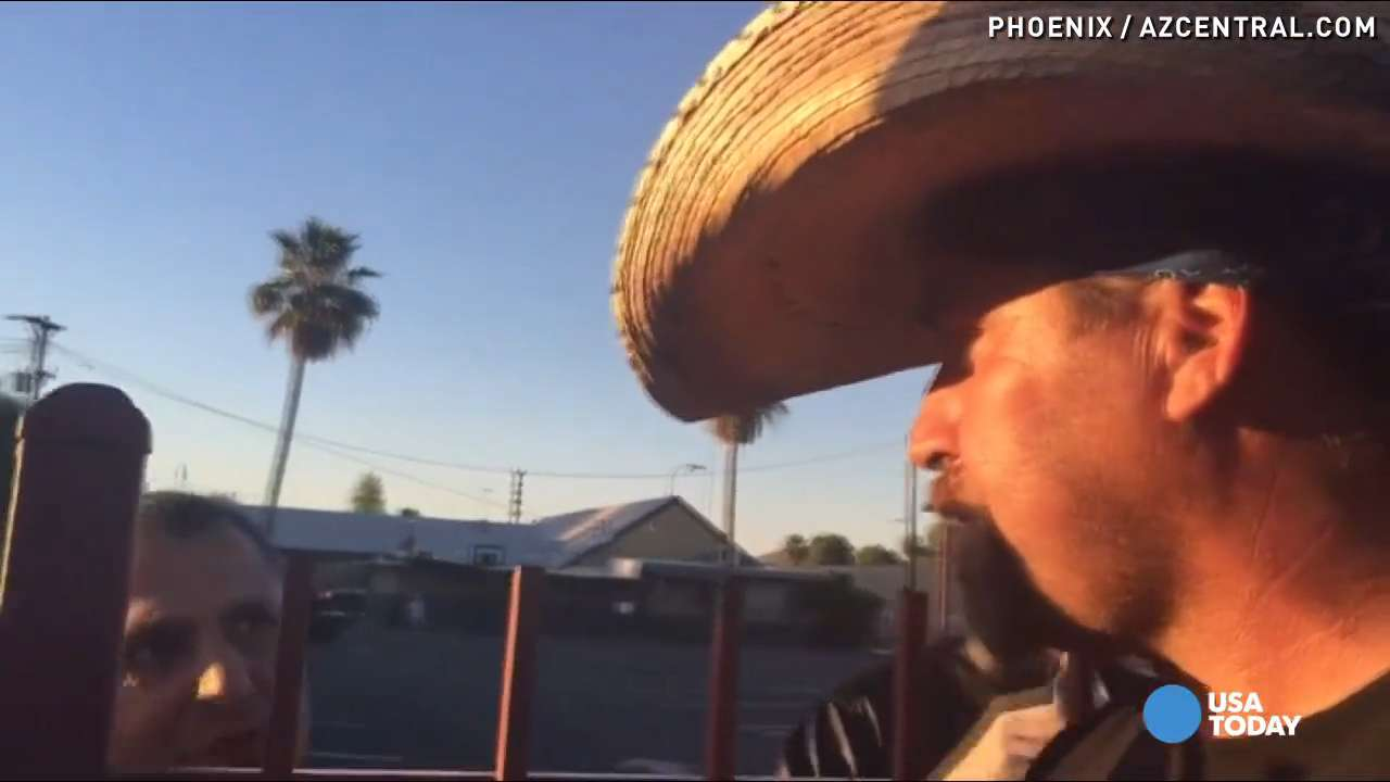 Raw: Calm talks between Muslims, protesters in Phoenix