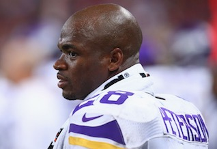 Adrian Peterson returns to Vikings OTAs