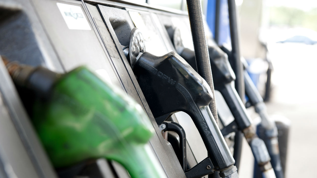 Falling gas prices could reach 2009 lows