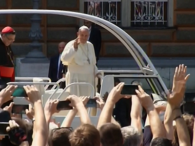 Raw: Pope makes plea for peace in Bosnia