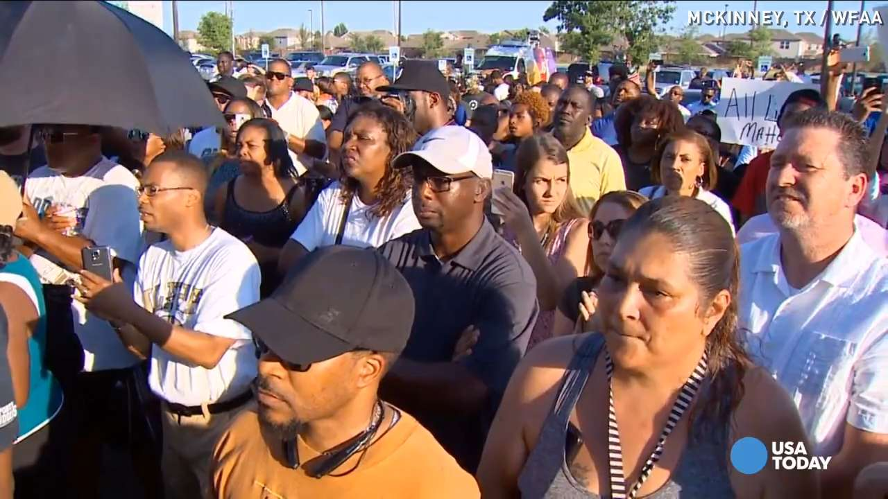 Protests in texas show two sides of pool party debate for Pool show usa