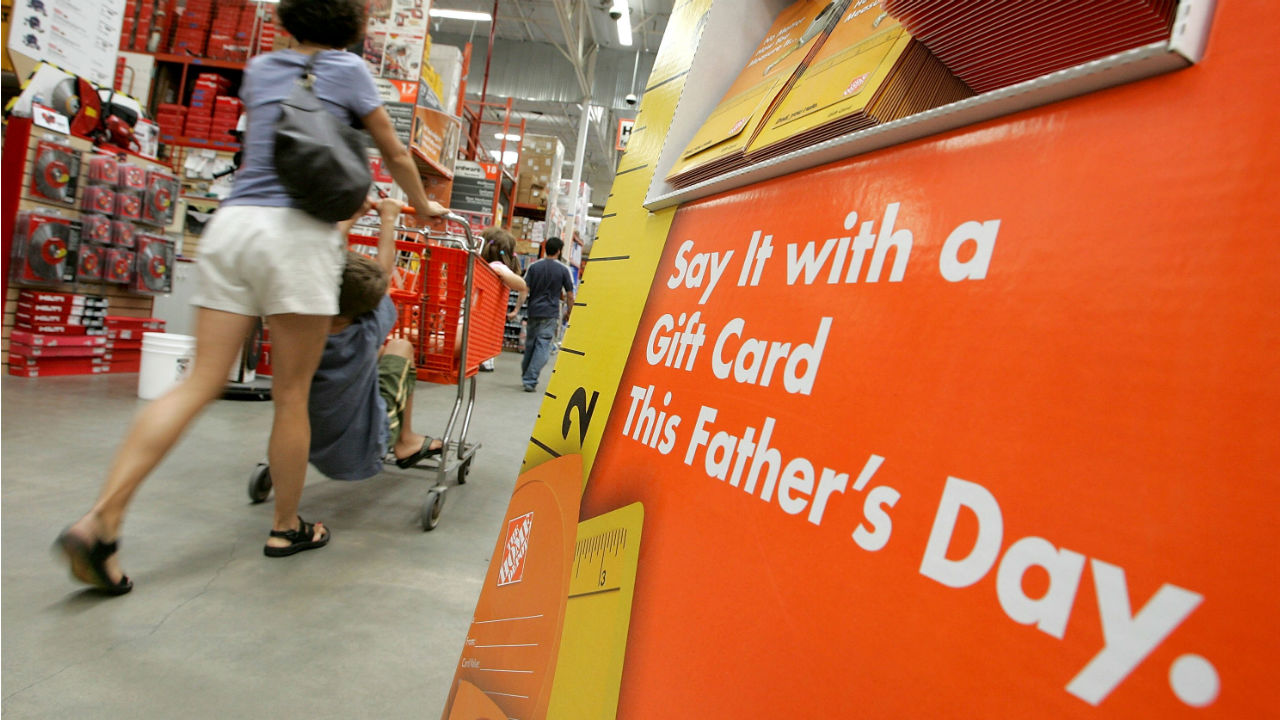 Father's Day spending overshadowed by Mother's Day