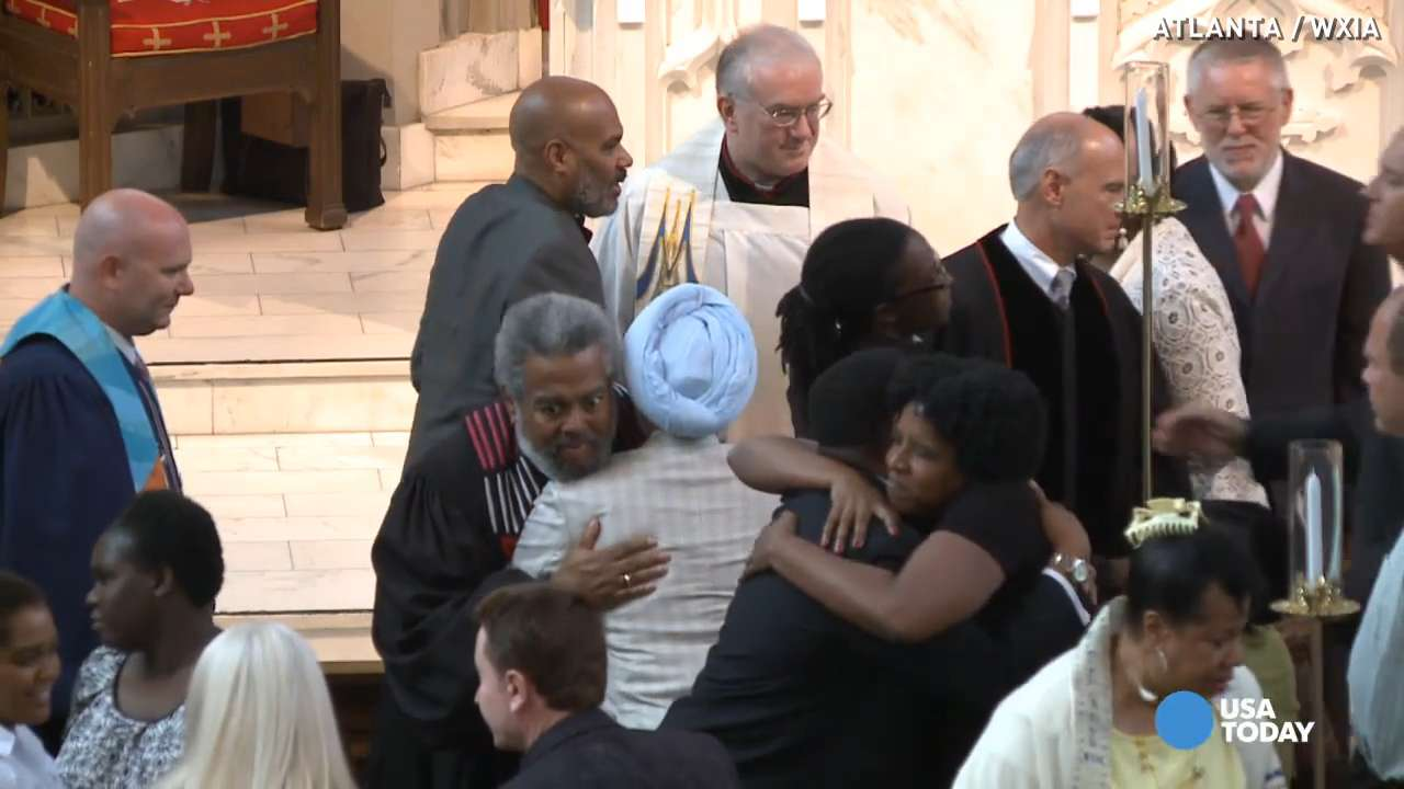 Faith leaders hold interfaith, interracial prayer service