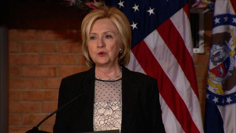 Clinton praises US retailers for removal of Confederate flags