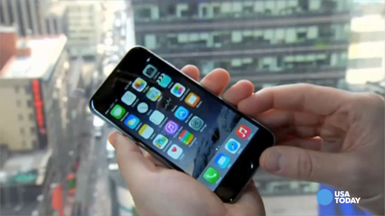 IPhones hit with 'blue screens of death'