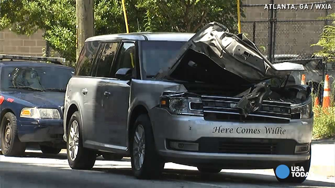 Man steals, crashes hearse with body inside