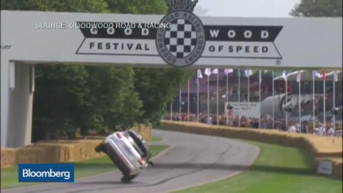 Nissan Juke's two-wheel sprint to the record book