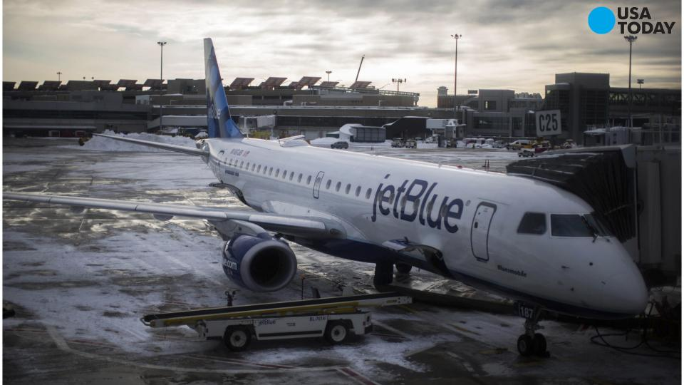 JetBlue stops free checked bag program, introduces fees