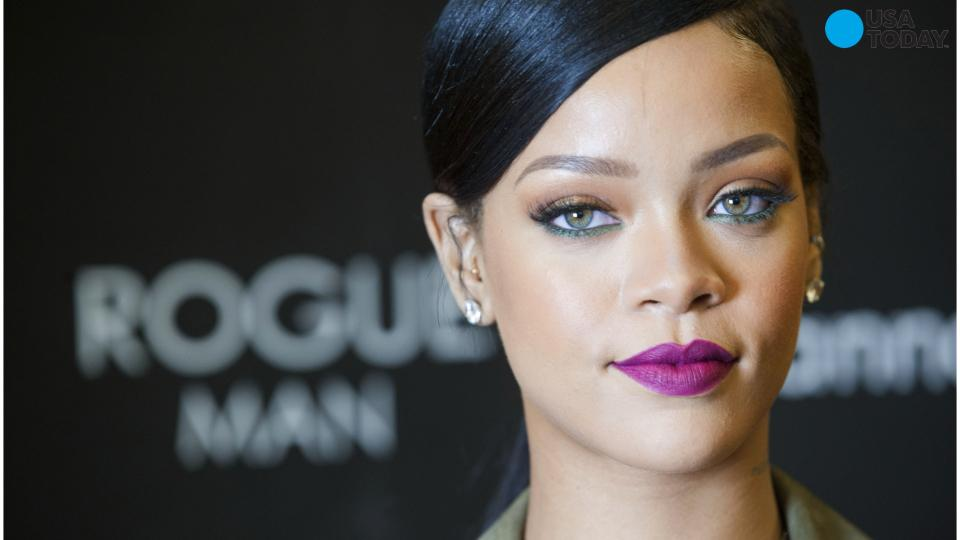 Rihanna beats out Swift and Perry for top digital singles artist