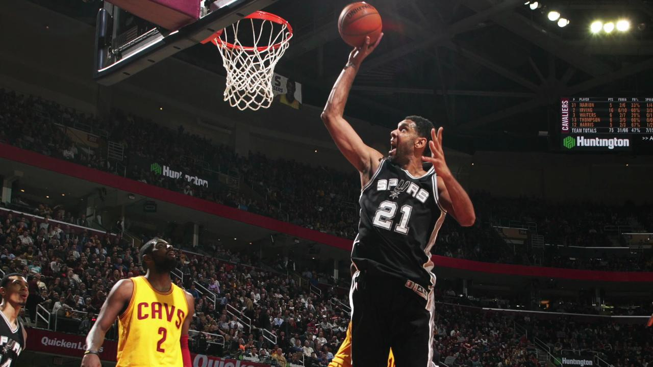 Tim Duncan returning to Spurs for 19th season